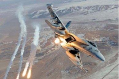 طيران الجيش يدمر جسرا لداعش الارهابي في هيت ويقطع امداداته