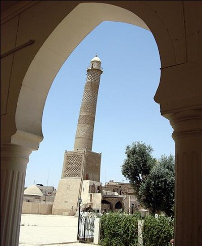 """""""داعش"""" يفخخ منارة الحدباء في الموصل تمهيدا لتفجيرها 1272976850"""